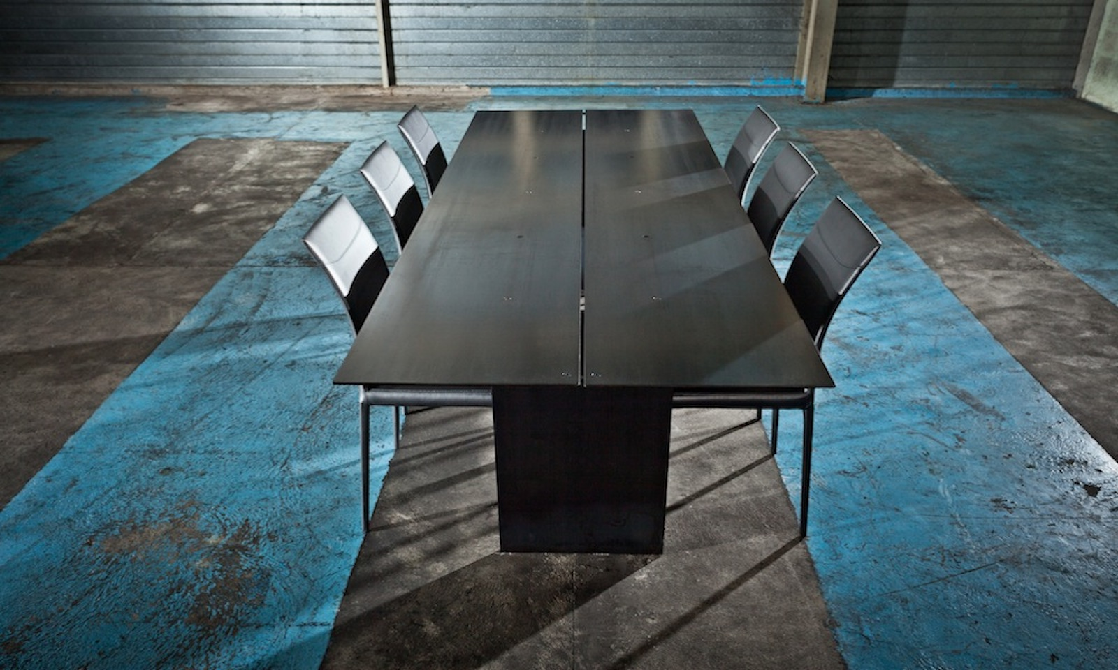 Triss fabriquant de mobilier contemporain haut de gamme for Tables de repas contemporaines